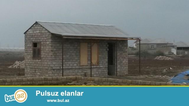 Sabuncu rayonu Zabrat Kürdaxanı yolu,173 № marşurut yolunun üstü 3 sot torpaq sahəsində 5 daş kürsülü,ümumi sahəsi 70 kv...