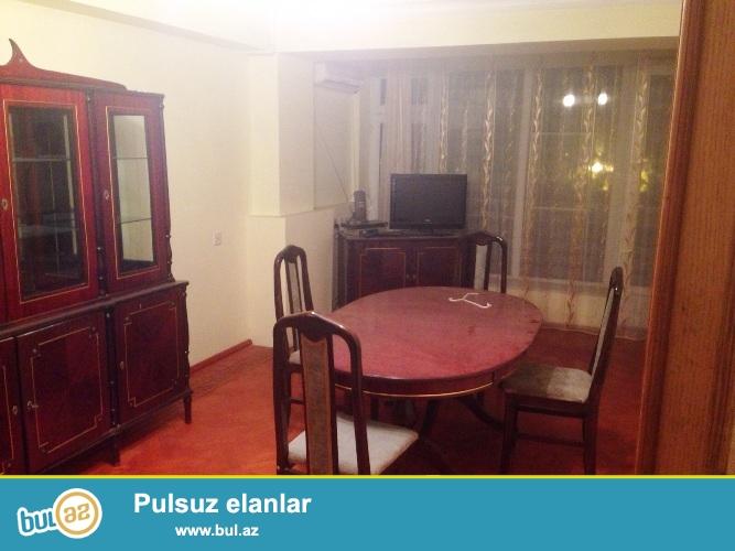 Cдается 3-х комнатная квартира в центре города, в Сабаильском районе, рядом с дворцом имени Г...