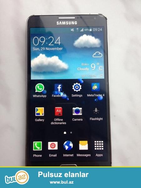Samsung Galaxy Note 3, karobkasi ve her bir weyi var, xod verib alan yerde xrom korpusun balaca qopugu var...