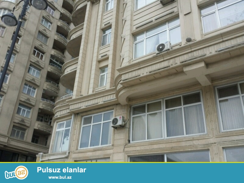 <br />                   Nermanov rayonunda, Montin-de, Heyder Eliyev adina muzeyin<br /> yaxinliqinda tezeliyce temir olunmush ofisler kiraye verilir...