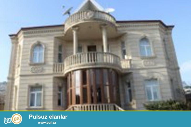 Binəqədi r. M.Ə.Rəsulzadə adına qəsəbədə 3 mərtəbəli villa satılır...