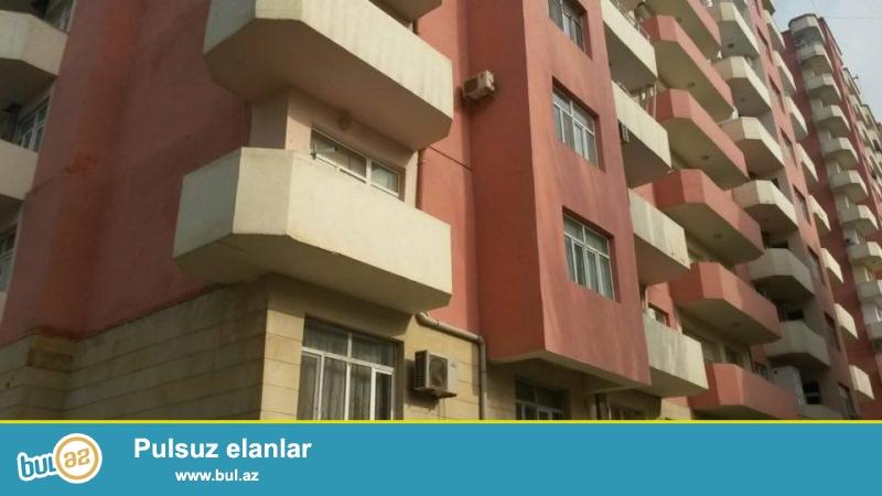 6 мкр, около клиники З. Алиева, в полностью заселенном комплексе продается 3-х комнатная квартира, 16/3, общая площадь 123 кв...