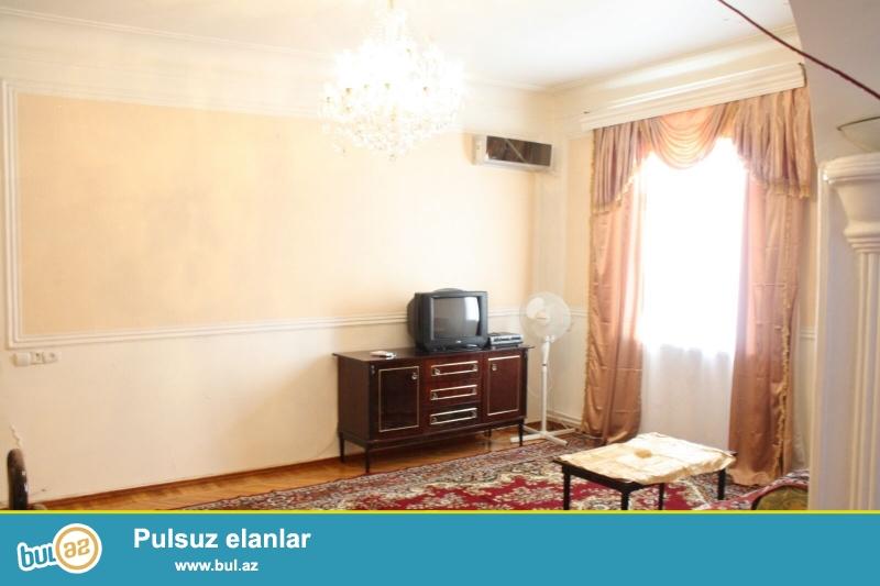 Сдается 3-х комнатная квартира в центре города, в Наримановском районе, рядом с  медицинским центром «Фунда»...