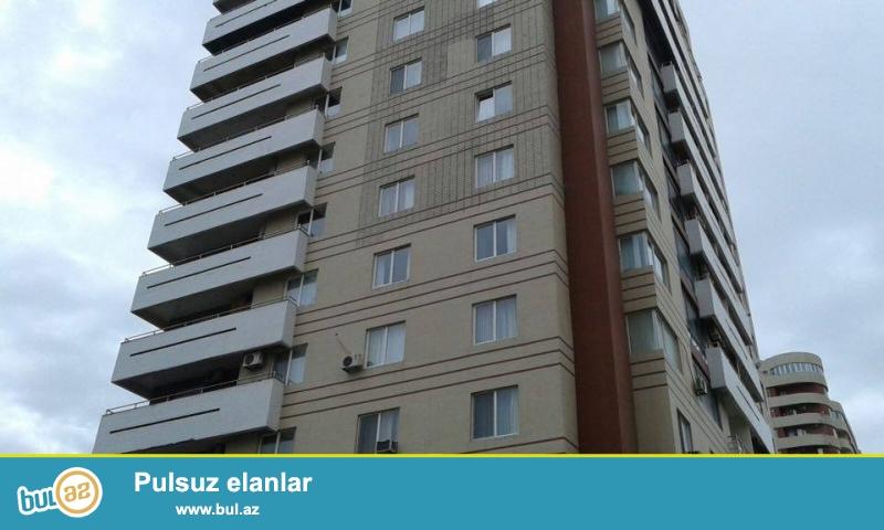 На пр. Азадлыг, за Насиминской Гаи, в элитно-жилом комплексе сдается 4-х комнатная квартира, 18/12, общая площадь 136 кв...