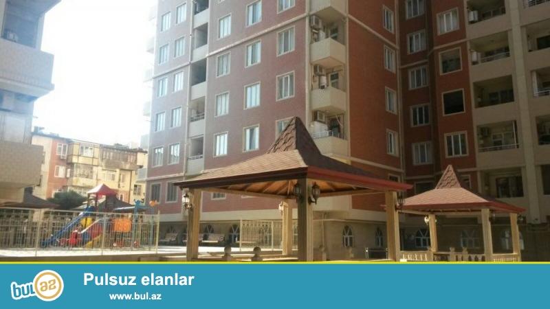 4 мкр, около д/т Гызыл тадж, в жилом новостройке с Газом продается 3-х ком квартира, 12/7, общая площадь 76 кв...