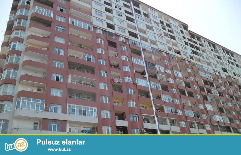 3 мкр, около круга, в заселенном комплексе с Газом и Купчей продается 3-х комнатная квартира, 18/4, общая площадь 132 кв...