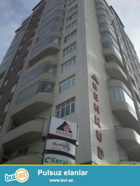 Новостройка! Cдается 3-х комнатная квартира в центре города, в Бинагадинском  районе, в 8 МКР-е, рядом с рестораном «Оазис»...