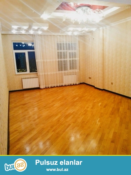 Tecili olaraq Heyder Eliyev merkezinin tam yaninda 138 kv,19/15,3 otaqli evro temirli ev (KUPCA)ile satilir...