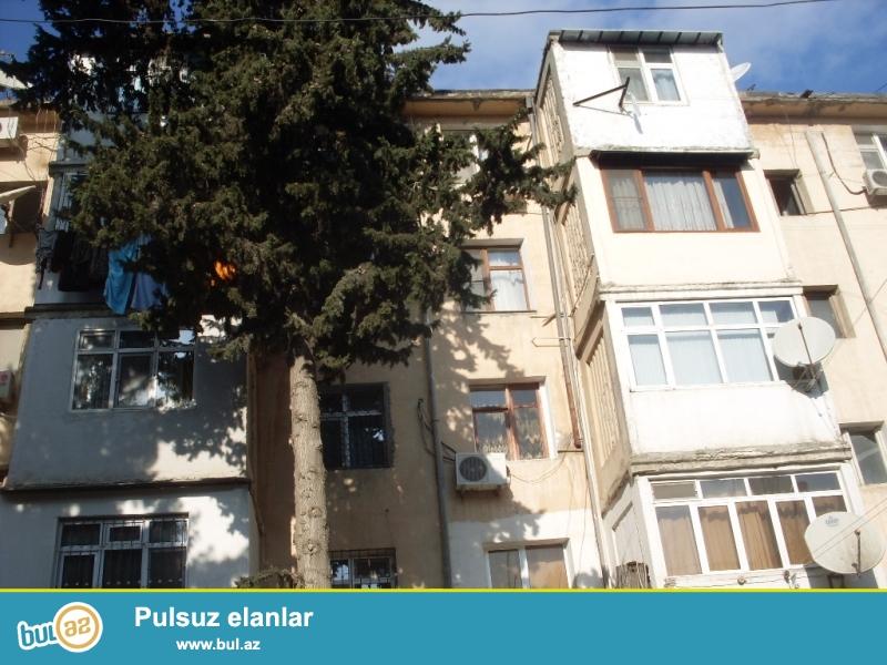 Срочно!   В Ясамальском районе, недалеко от   « Gunəş Petrol» продаётся 3-х переделанная в 4- х комнатную квартира с ХОРОШИМ РЕМОНТОМ и ПРЕКРАСНОЙ ПАНОРАМОЙ на город...