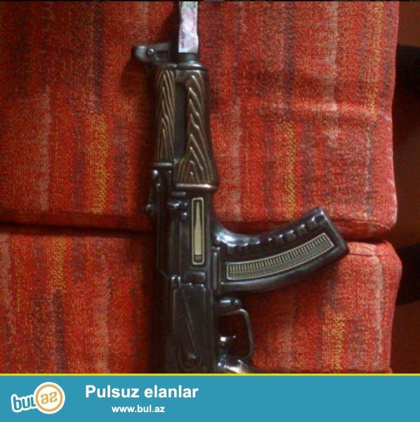 Kolashnikov formasinda suvenir (Коньяк) 40AZN