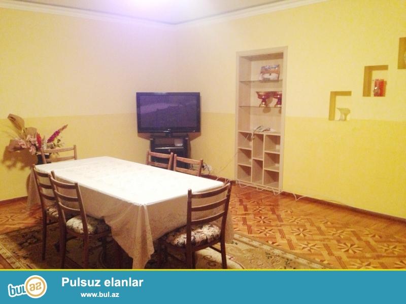 Cдается 3-х комнатная квартира в центре города, в Сабаильском районе, рядом с Телетеатром, в «Доме Героев»...
