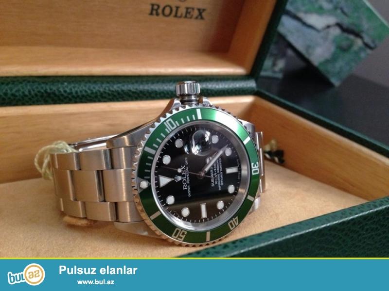 Rolex Submariner Green:Kvars mexanizm,paslanmayan polatdan korpus ve qolbaq,ay göstericisi,suya ve zerbeye davamlı,fosforlu eqreblerle...
