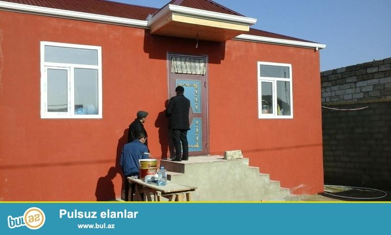 Maştağa qəsəbəsində Fırat mebel salonunun arxasında 2 sot torpaq sahəsində 7 daş kürsüdə ümumi sahəsi 90 kv...