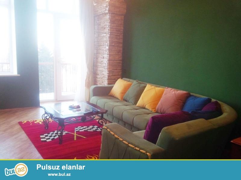 """Cдается 3-х комнатная квартира в центре города, в Сабаильском районе, на площади Азнефть, рядом с """"Four Seasons"""" Hotel..."""