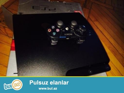 playstation 3 tezedi,ustunde coystık 5 denede oyun dıskı verılır...