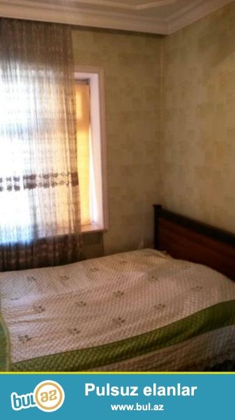 В районе Нариманова, поселка Монтино, около АТС, каменный дом, просторные светлые комнаты, хороший ремонт, пластик...