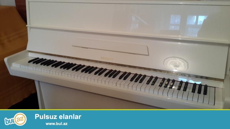 aq ve qehveyi  rengli sovet almaniya  ve  cexoslovakiya  pianinolari ideal veziyyetdedir