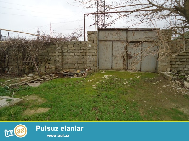Sabuncu rayonu Maştağa qəsəbəsində Kanal üstü deyilən ərazidə 20 sot torpaq sahəsində köhnə tikili ev satılır...