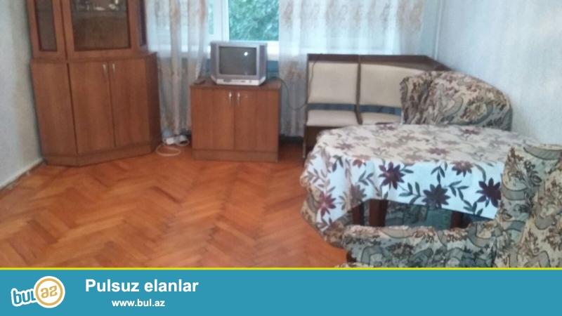 Nəsimi rayonu,  Rusiya səfirliyinin yaxınlığında, eksperimental layihəli binada 1 otaqlı mənzil satılır...