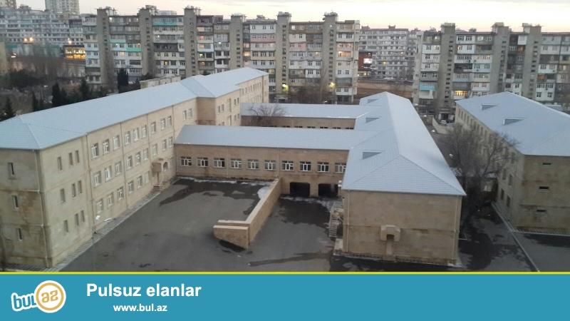 Xalqlar dostluğu metrosu, Heydər Əliyev parkı, laçın ticarət mərkəzi, 272 nömrəli məktəbin yaninda vasmoy bazarına 5dəqiqəlik yol var...