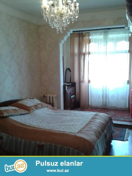 H.Aslanov metrosu yaxinliginda 3-cu kvadratda 4 otaqli orta temirli menzil satilir...