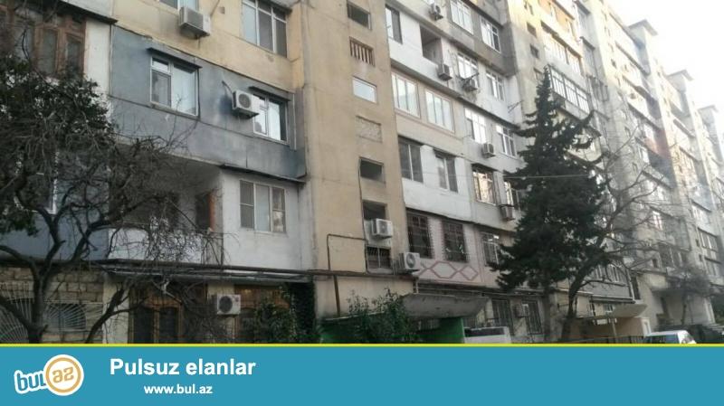 9 мкр, ок. д/т Узеир, ленинградский проект, 9/1, раздельные, светлые комнаты, средний ремонт, чистая, уютная квартира, с/у в нормальном состояние...