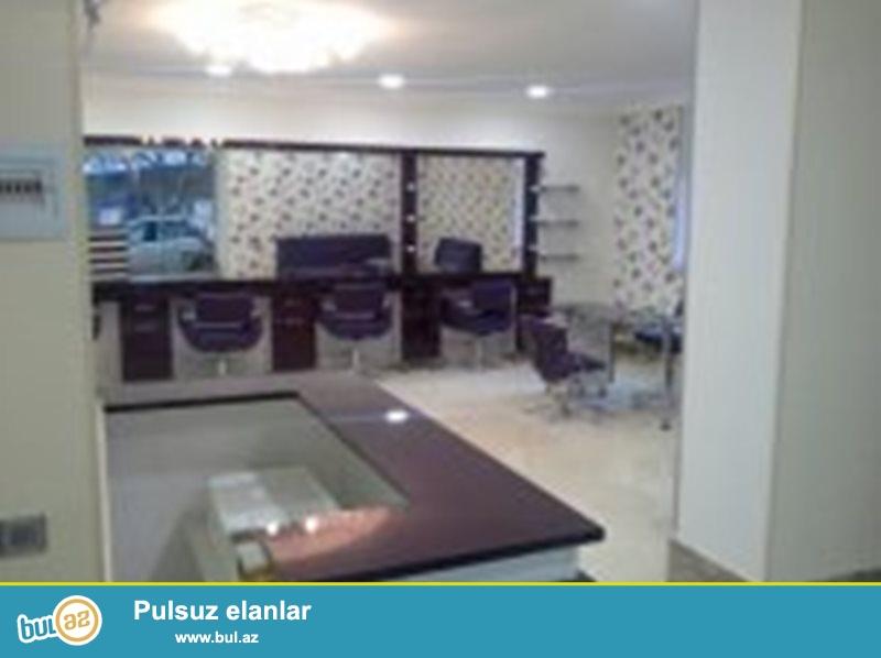 Bakı şəhəri Yasamal r-da Mireli Seyidov küçəsində sahəsi 85 kv olan gözəllik salonu satılir...