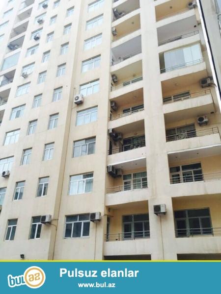 На пр. Нариманова, за Халг банк, в полностью заселенном  комплексе с Газом сдается 2-х комнатная квартира, 15/11, общая площадь 110 кв...
