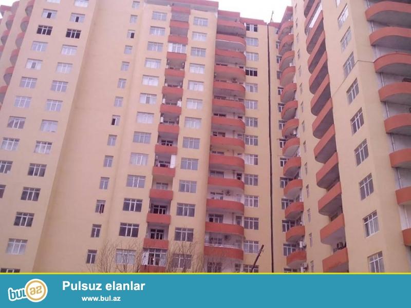 В районе Ени Ясамалы, конечная остановка автобуса №77, в элитно- жилом комплексе продается 3-х комнатная квартира, 17/9, общая площадь 120 кв...