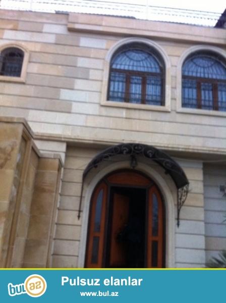 Cдается 3-х этажная вилла в центре города, в Сабаильском районе, в Крепости...