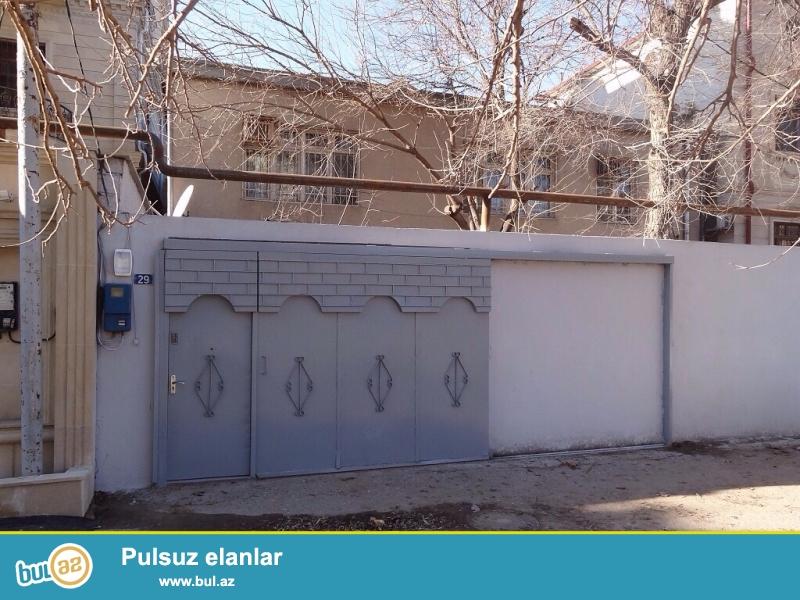 Бинагадинский  район, пос. Расулзаде (Воровского), по улице Миллионеров  сдаётся 2-х этажный частный дом...