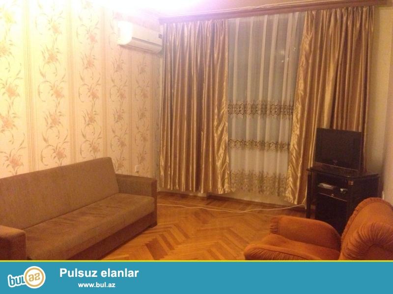 Cдается 3-х комнатная квартира в центре города, в Насиминском районе, по проспекту Азадлыг, рядом с кинотеатром «Дружба»...