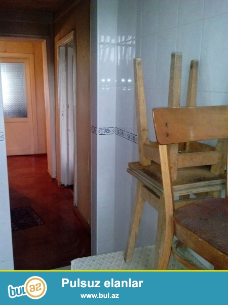 Cдаю 2х комнатную квартиру на 8км возле метро Халглар Дослугу каменного дома 4 этаж не угловая...