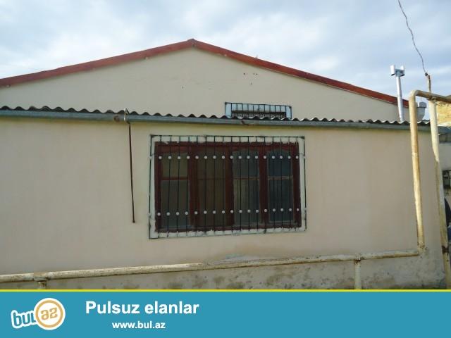 Sabuncu rayonu Zabrat 1 qəsəbəsində yerləşən, əsas yoldan 500 metr məsafədə 2 daş kürsülü umumi sahəsi 80 kv...