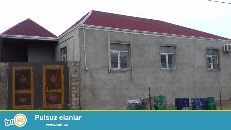 Bineqedide Gulustan kucesinde 1,5 sotda 120 kv kursulu 4 otaq h/t, metbexi olan temirli ev satilir...