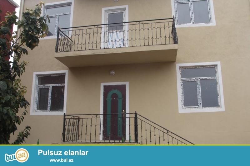 Очень срочно в посёлке Масазыр  за зданием Республиканского ГАИ продаётся  2-х этажный , 7 -ми комнатный ново построенный частный дом, с площадью 200 кв расположенный на 2...