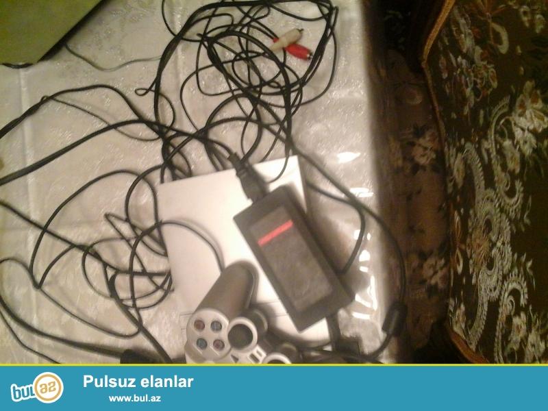Playstation. pult 1denedi oda xerebdir disk firlanan yeride xerebdir real musteriye endirim olar orginaldir