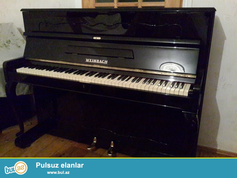 qehveyi  rengli  cexoslovakiya  pianinolari  petrov  ve  fiqurlu  ayaqli  lepkali   veynbax  pianinosu