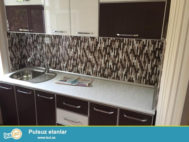 Продается 1 комнатная квартира в центре города, в Наримановском районе, рядом с домом торжеств «Гюнеш»...