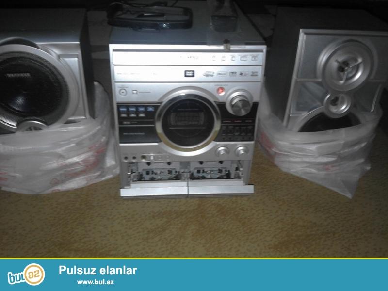 Salam samsung musiqi merkezi satiram 3 Dvd disk 2 audio kaset yeri flash kart yeri radio var...