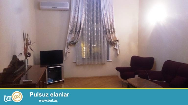 Сдается 4-х комнатная квартира в центре города, в Сабаильском районе, рядом с метро Сахиль...