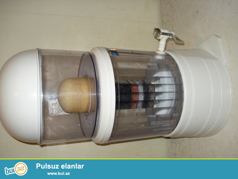 Su 7 filtrdən keçir, ionlaşdırılır, kömürlə təmizlənir, içməyə yararlıdır...