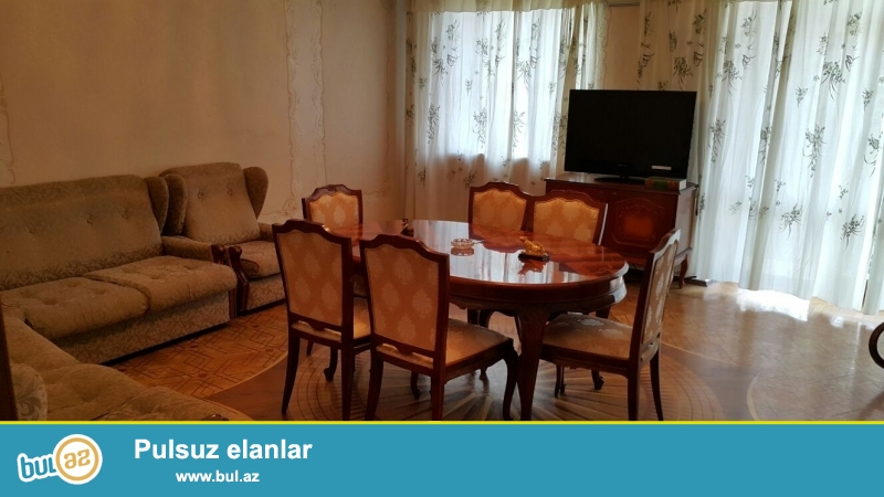 Продается 3-х комнатная квартира в центре города, в Ясамальском районе, рядом с Бешмертебе...