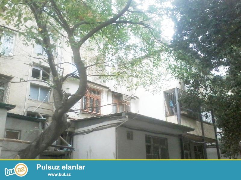 Продается 1 комнатная квартира переделанная в 2-х, в центре города в Наримановском районе, по улице Ф...