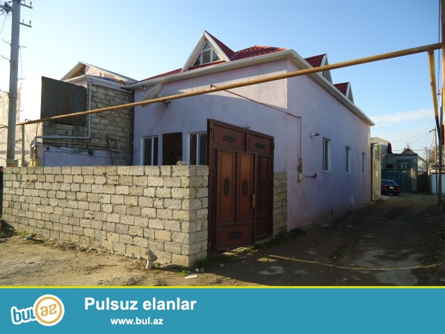 Sabuncu rayonu Zabrat 1 qəsəbəsi  2 sot torpaq sahəsində,qoşa daşla tikilmiş,6 daş kürsülü ümumi sahəsi 200 kv...