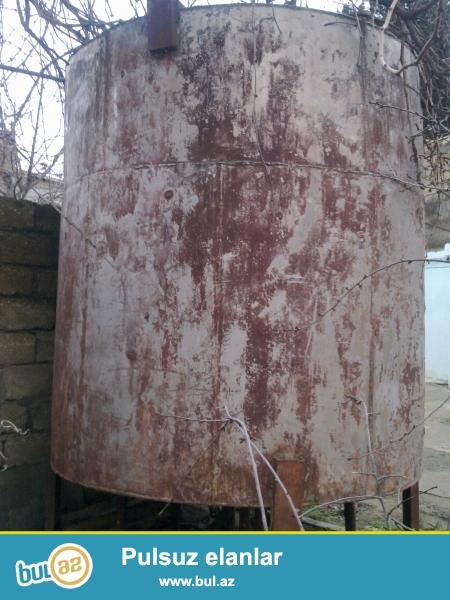Su Çəni satılır. Paslanmayan (nerjavik) metaldan ibarətdir. 7 ton su tutumu var.