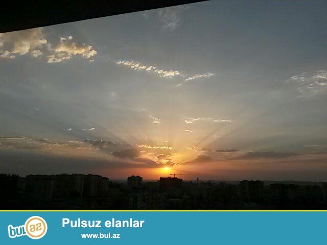 Çox Təcili! 8mkr, Qrandmarketin yanında, Qazlı bina, Tam yaşayışlı binada, 2otaq, 85kv...