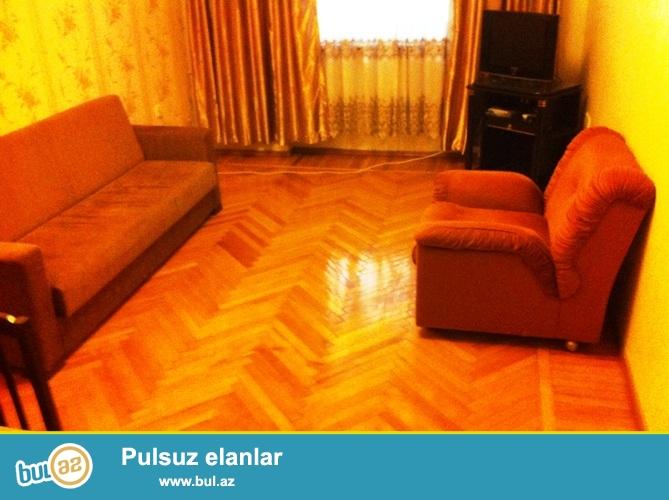 Cдается 3-х комнатная квартира, в центре города, в Насиминском районе,  по проспекту Азадлыг, рядом с кинотеатром «Дружба» ...