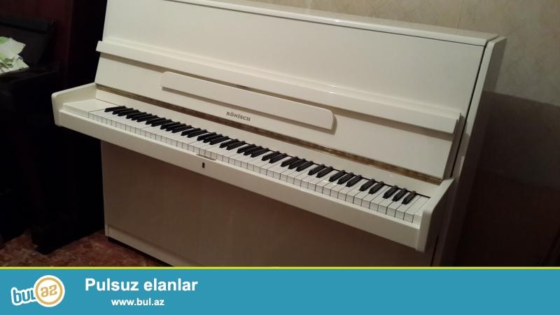 aq rengli  almaniya  pianinosu renis  ideal   veziyyetdedir koklenib  catdirilma