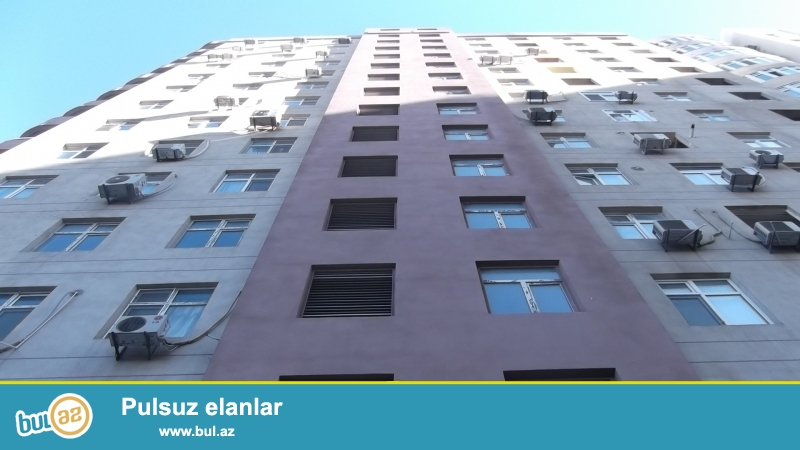 Срочная продажа.<br /> <br /> В районе метро станции «Эльмляр Академиясы» на проспекте Матбуат продаётся 1 переделанная в 2-х комнатную квартира, 12-й этаж полностью заселенного дома, общая площадь 60 кв...